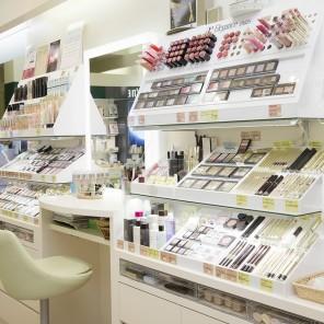 周南市 化粧品専門店
