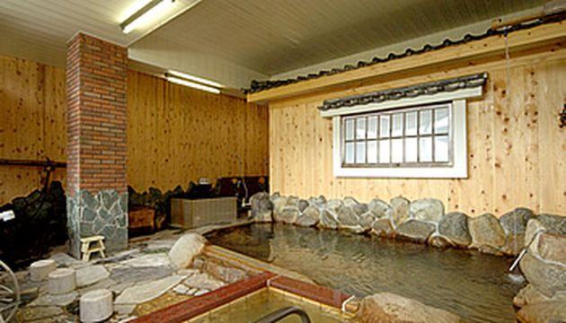 湯野温泉 芳山園の大浴場